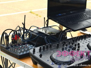 Звуковое оборудование для диджея