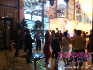 Танцы на корпоративе
