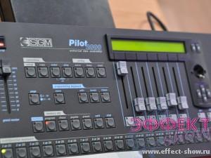 Световое оборудование - Световой пульт SGM Pilot 2000