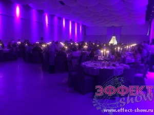 Фиолетовое оформление помещения для корпоратива